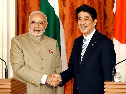 安倍晋三首相とインドのモディ首相=2014年9月1日、東京都港区の迎賓館
