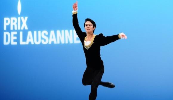 古典舞踊部門で踊る伊藤充さん=2015年2月7日、スイス・ローザンヌ