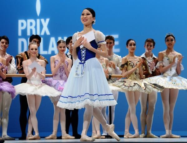 ローザンヌ国際バレエコンクールで5位に入賞し喜びの表情を見せる金原理奈さん=2015年2月7日、スイス西部ローザンヌ