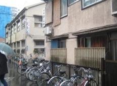 山谷の簡易宿所(写真提供:武田空氏)