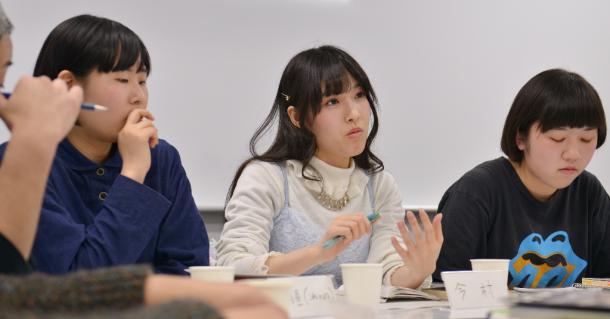 是恒香琳さん(左)、今村由希子さん(真ん中)、安部さくらさん