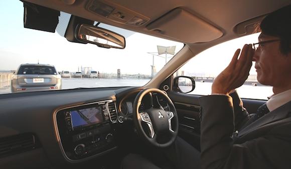 自動運転は高齢者に役立つか