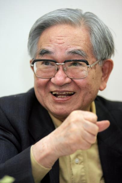 鶴見俊輔さん=2005年