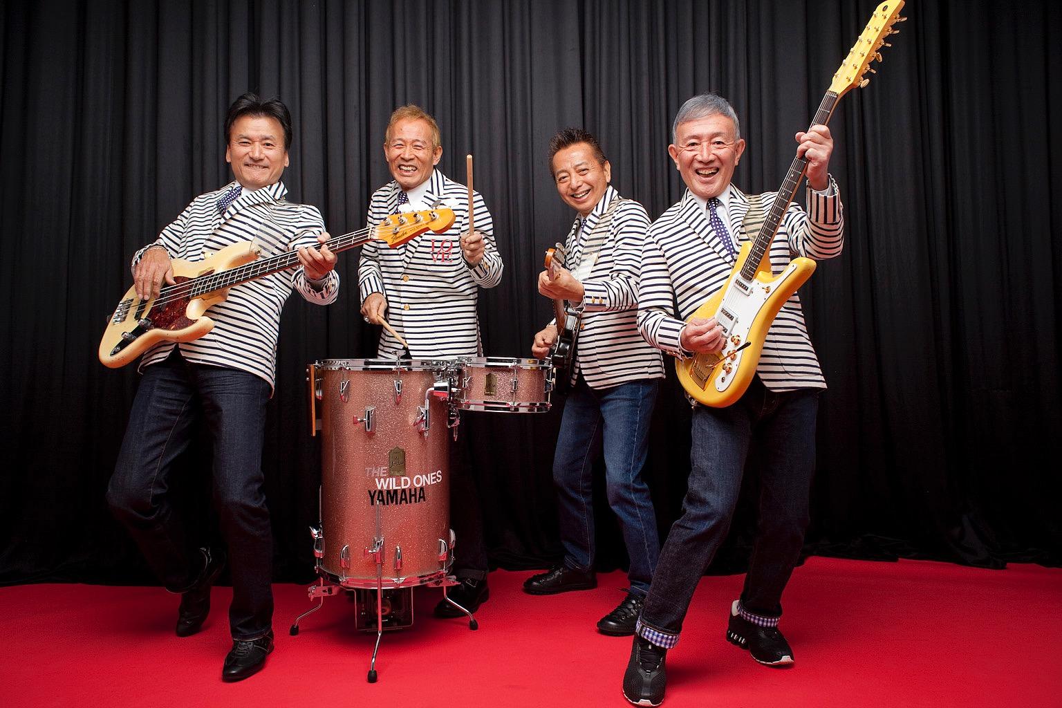 加瀬邦彦さん(右端)らワイルドワンズの面々=加瀬邦彦音楽事務所提供