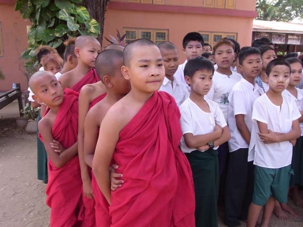 [3]子どもたちの5人に1人が学校に行かない…
