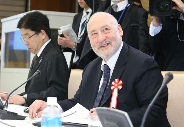 第1回国際金融経済分析会合に招かれた米コロンビア大のジョセフ・スティグリッツ教授