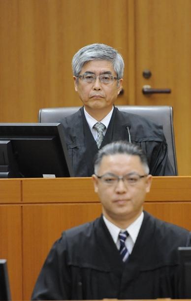 大飯原発運転差し止めの判決を言い渡した樋口英明裁判長=2014年5月21日、福井地裁、代表撮影