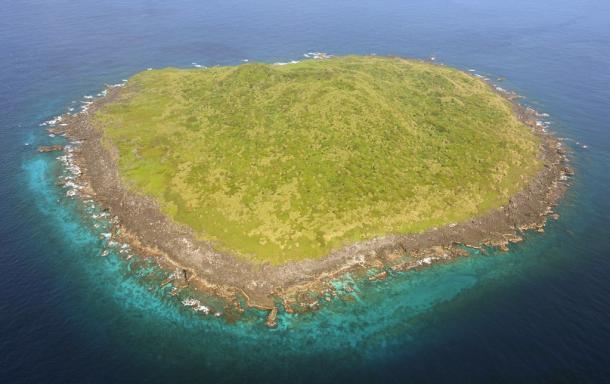 尖閣諸島の久場島2013