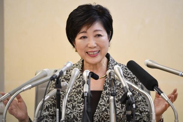東京都知事選への立候補について記者会見する小池百合子氏