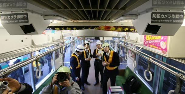 JR埼京線の車内に設置された防犯カメラ2009