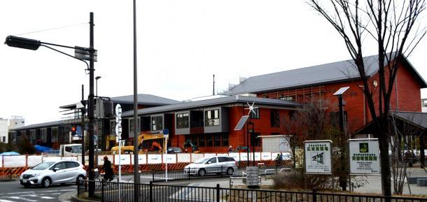 森友学園への売却地では4月に開校予定の小学校が建設されている=7日、大阪府豊中市