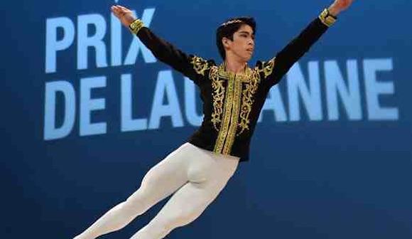写真・図版:バレエの男子ダンサーの実像とは