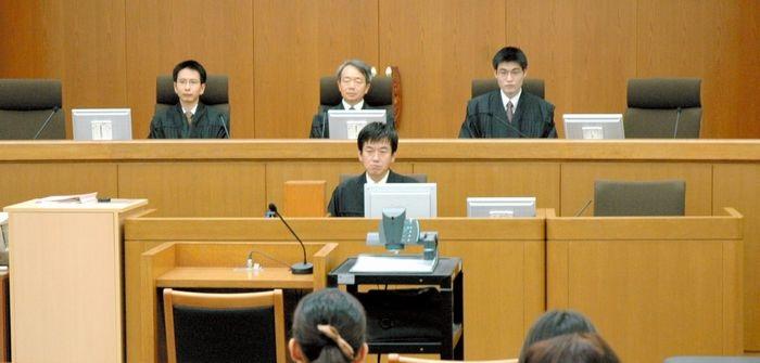 まずは法廷通訳人の職業倫理規定から