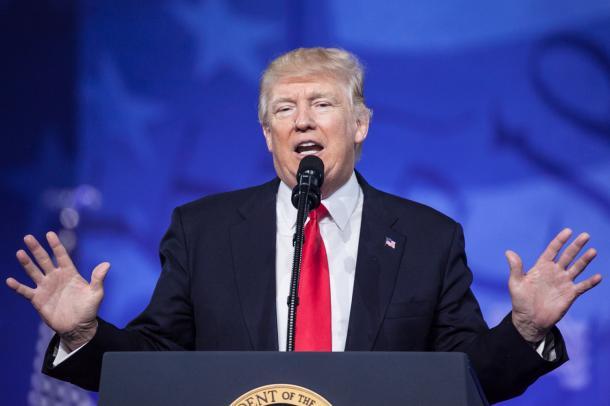 保守政治行動会議でスピーチするトランプ大統領=2月24日、メリーランド州オクソンヒル、ランハム裕子撮影
