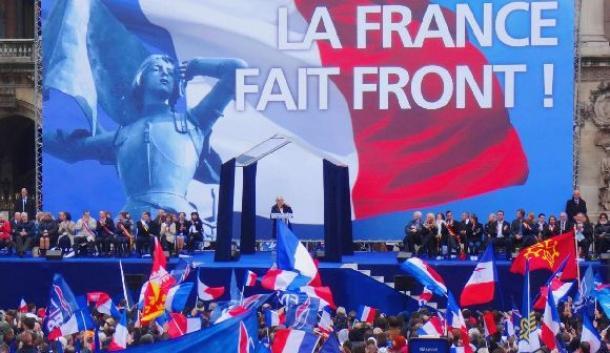 パリ・オペラ広場での国民戦線(FN )集会=2015年5月、冨永格撮影