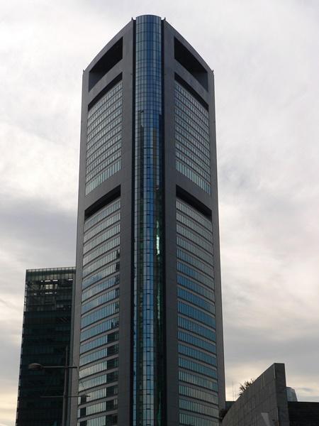 共同通信社の本社ビル=2006年、東京・汐留