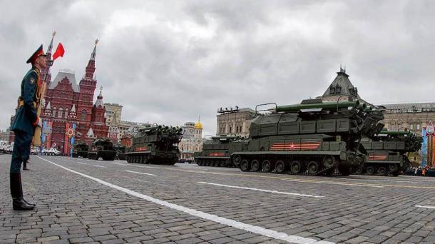 戦勝記念日のプロパガンダにみるロシアの閉塞感