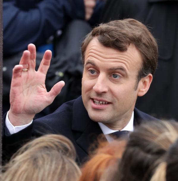 パリで5月8日、対独戦勝記念の式典に参加したマクロン次期大統領