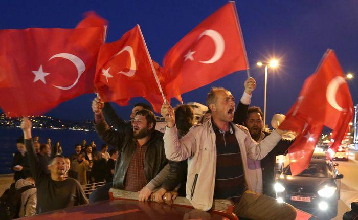 トルコで進行するエルドアン大統領への権力集中
