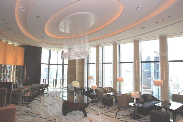 シティホテルのラウンジ=2013年、大阪市北区