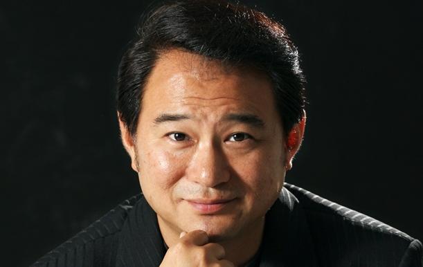 松居一代さんとの離婚調停で渦中にいる俳優の船越英一郎さん=2005年、東京都内