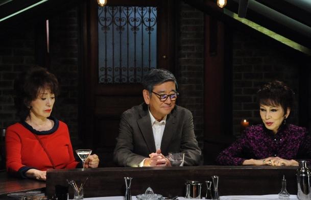 ドラマ『やすらぎの郷』の一場面。右から浅丘ルリ子、石坂浩二、加賀まりこ=テレビ朝日提供