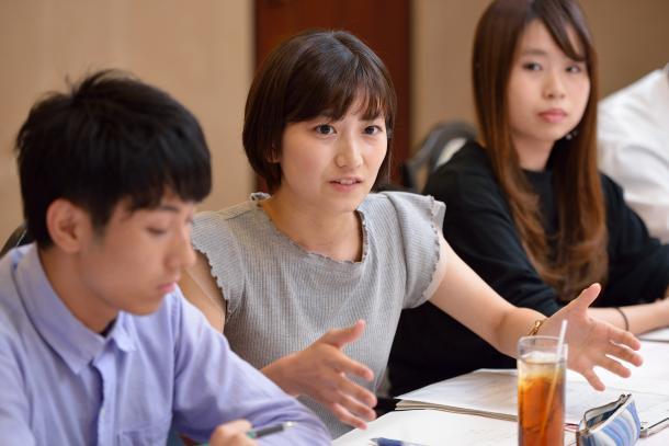 (向かって左から)田村葉さん、石田有紀さん、稲垣ひよりさん