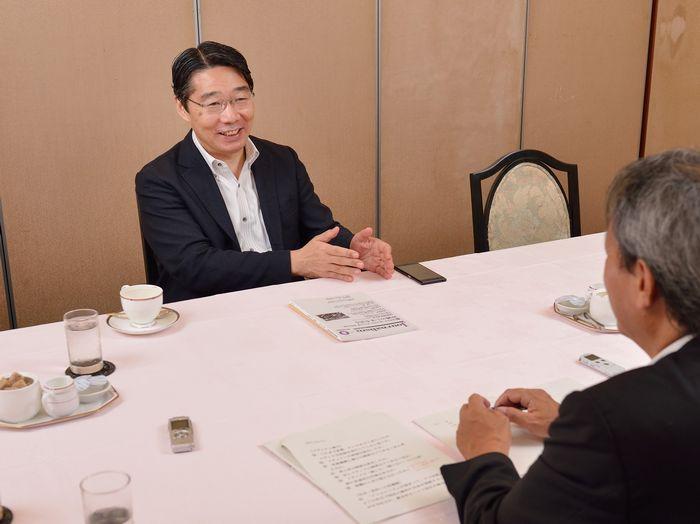 前川喜平氏のインタビューは2時間に及んだ=2017年8月15日、東京・築地