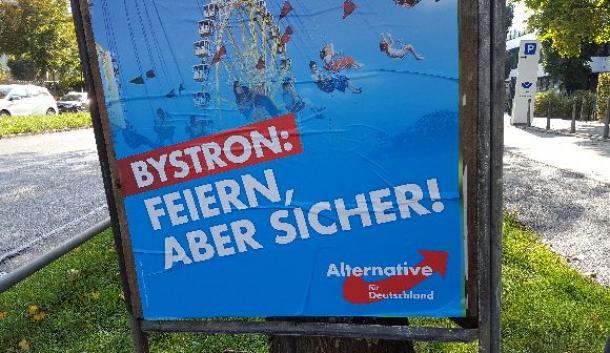 ミュンヘン市内に貼られたAfDの選挙ポスター。バイエルン州でAfDは約12%の得票率を記録した(筆者撮影)