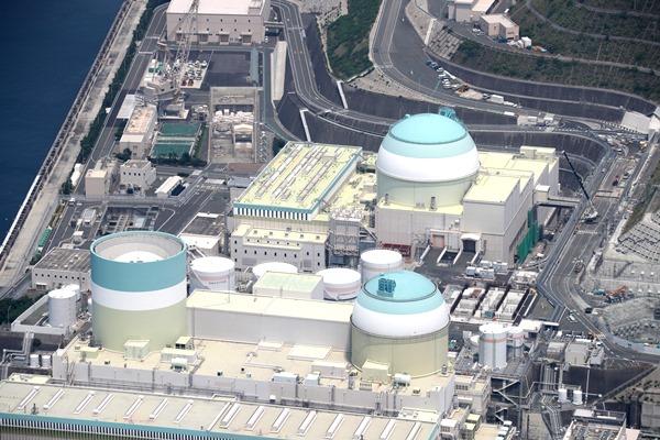 四国電力伊方原発3号機=2017年7月15日、愛媛県伊方町