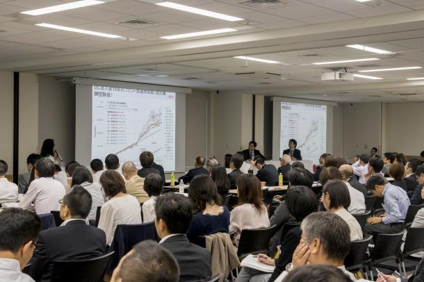 社員教育に悩む全国の企業担当者=第6回日本DCフォーラム、2017年10月13日午後、佐藤祐司撮影