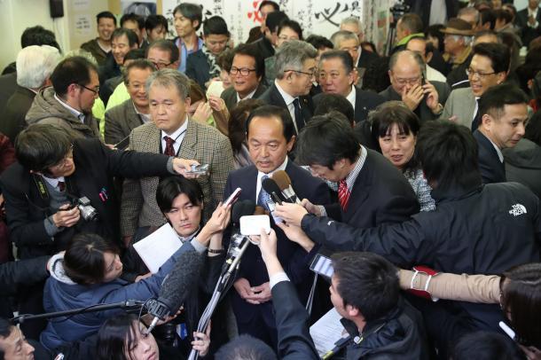 民主主義の危機が露呈した沖縄県名護市長選