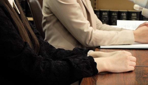 公取委見解でタレントの移籍は自由になるか