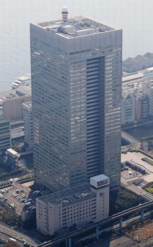 写真・図版 : 東芝本社=東京都港区、本社ヘリから