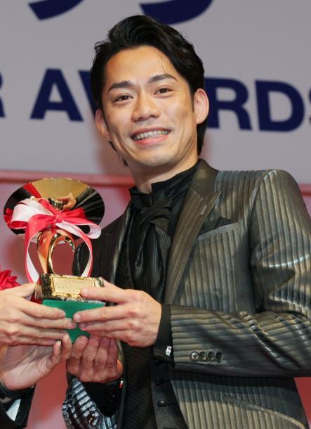 写真・図版 : 日本ジュエリーベストドレッサー賞特別賞を受賞して=2015年1月