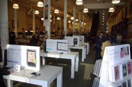 書店ビジネス崩壊の危機 深刻な米国研究・出版事情